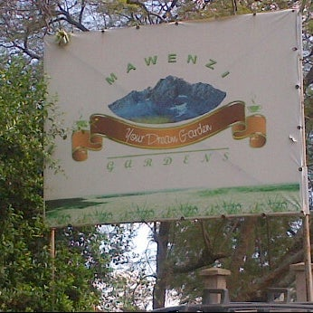 Mawenzi gardens restaurant nairobi hill estate 5 tips for Pool garden restaurant nairobi