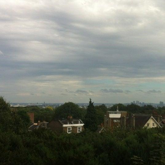 8/27/2012 tarihinde Yvonne W.ziyaretçi tarafından Hampstead Heath'de çekilen fotoğraf