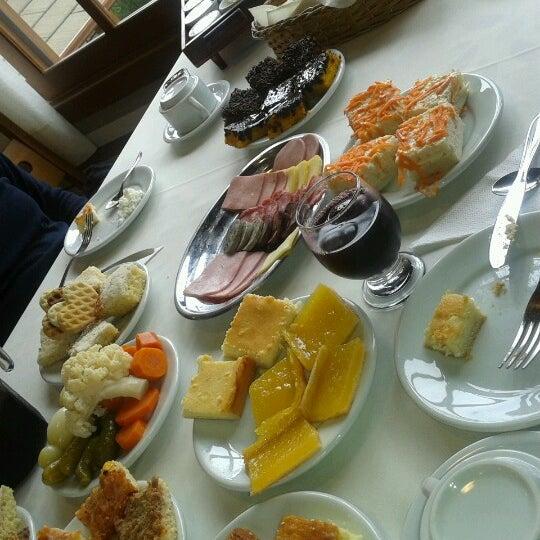Foto tirada no(a) Bela Vista Café Colonial por Dani M. em 8/31/2012