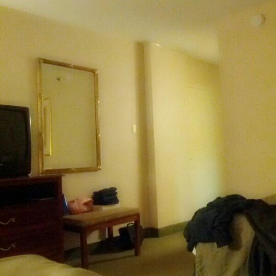 Foto diambil di The Watson Hotel oleh Song Z. pada 5/19/2012