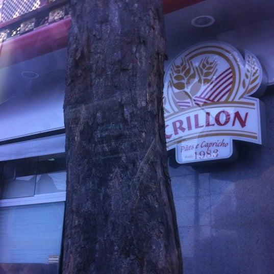 Foto tirada no(a) Padaria Crillon por Nathalia G. em 2/15/2012