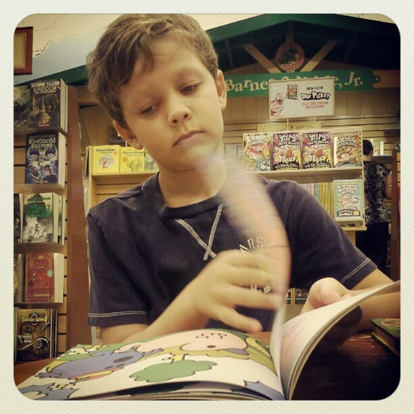 Photo taken at Barnes & Noble by Stacey P. on 9/7/2012