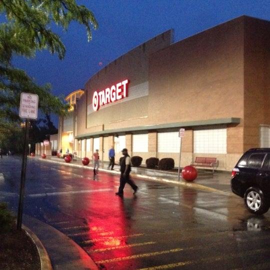 Photo prise au Target par Derek B. le5/25/2012