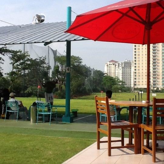 5/20/2012 tarihinde Lefi L.ziyaretçi tarafından Pondok Indah Golf & Country Club'de çekilen fotoğraf