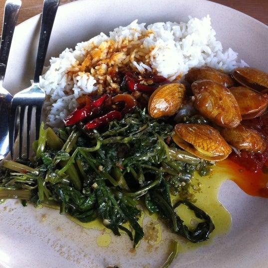 Photo taken at Restoran Sambal Hijau by ned k. on 5/1/2012