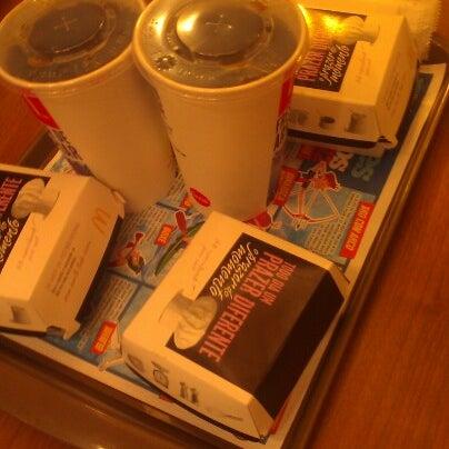 Photo taken at McDonald's by Eduardo A. on 8/14/2012