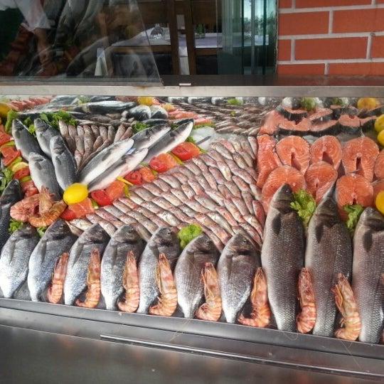 9/2/2012 tarihinde Naci S.ziyaretçi tarafından Çapari Restaurant'de çekilen fotoğraf