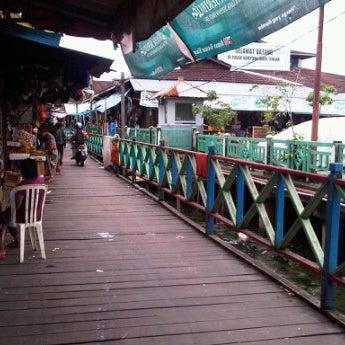 Photo taken at Pelabuhan speedboat kampung baru by Denny W. on 2/28/2012