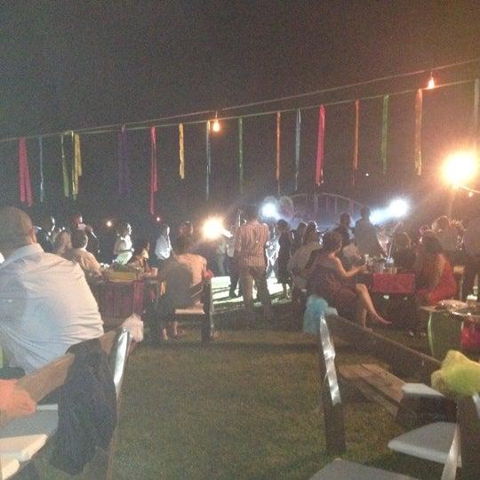 8/25/2012 tarihinde Tolga G.ziyaretçi tarafından Yeji Dohoda Restaurant'de çekilen fotoğraf
