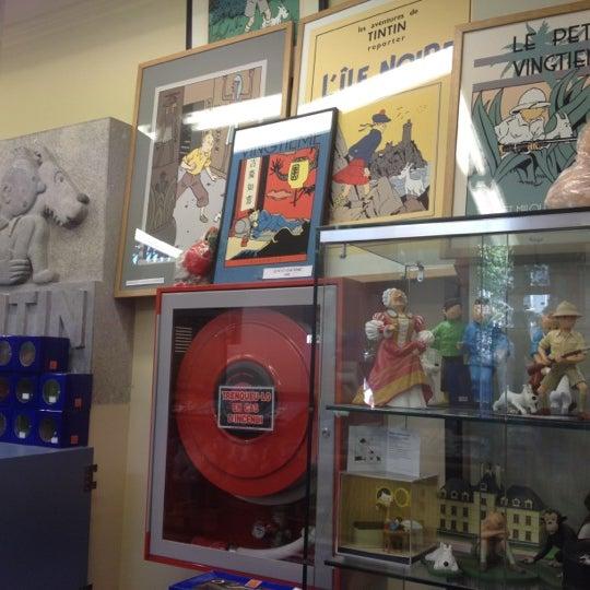 Foto tomada en Norma Cómics por Paul N. el 7/14/2012
