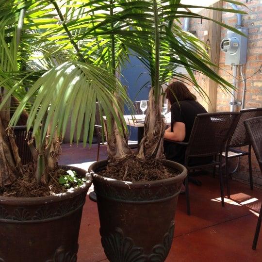 รูปภาพถ่ายที่ Big Jones โดย Lauren B. เมื่อ 8/11/2012