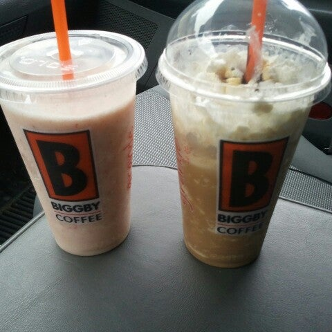 Photo taken at BIGGBY COFFEE by Cori A. on 8/9/2012