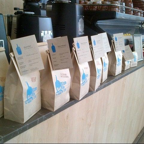 Снимок сделан в Blue Bottle Coffee пользователем C L. 8/11/2012