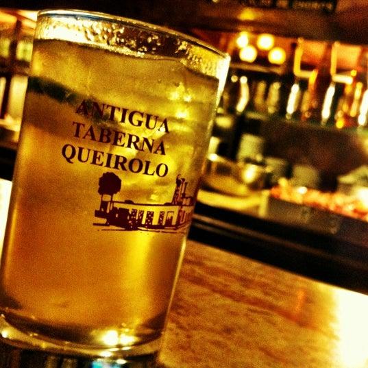 Foto tomada en Antigua Taberna Queirolo por Esther V. el 8/8/2012