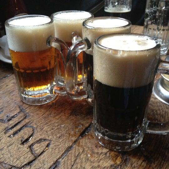 Photo prise au McSorley's Old Ale House par Sean H. le3/31/2012