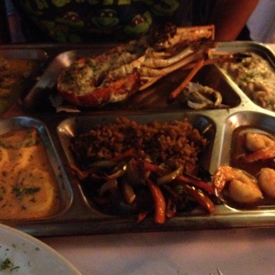 Foto tomada en Donde Olano Restaurante por Clara Ximena M. el 8/12/2012