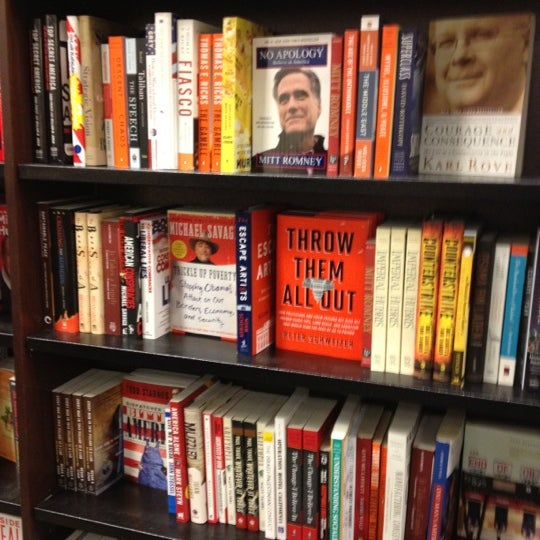 Photo taken at Barnes & Noble by Paulina S. on 3/4/2012