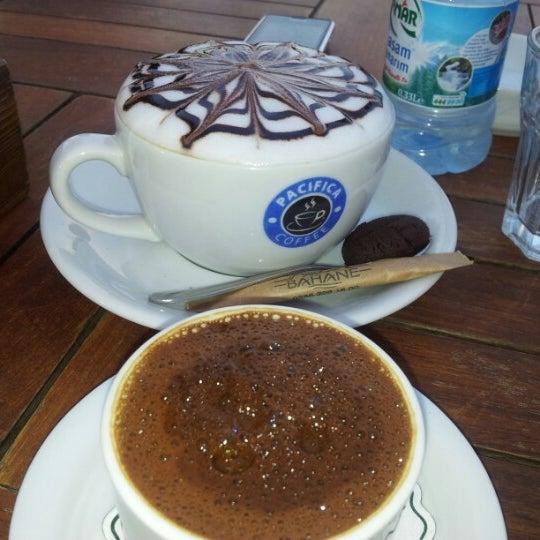 8/25/2012 tarihinde Yagmur K.ziyaretçi tarafından Kahve Bahane'de çekilen fotoğraf