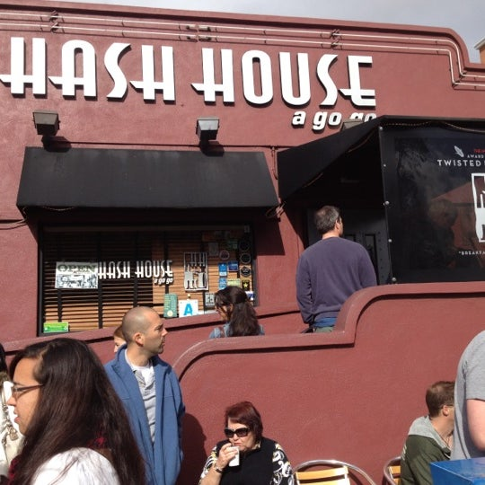 Photo taken at Hash House a Go Go by Mike F. on 4/1/2012