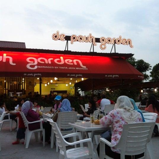 Photo taken at De Pauh Garden Restaurant & Cafe by Farah F. on 6/24/2012
