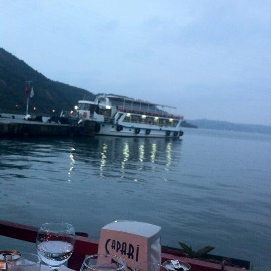 3/11/2012 tarihinde Onur T.ziyaretçi tarafından Çapari Restaurant'de çekilen fotoğraf