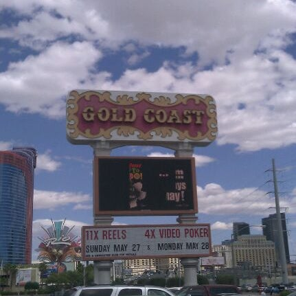 Photo taken at Gold Coast Hotel & Casino by DJ D. on 5/26/2012