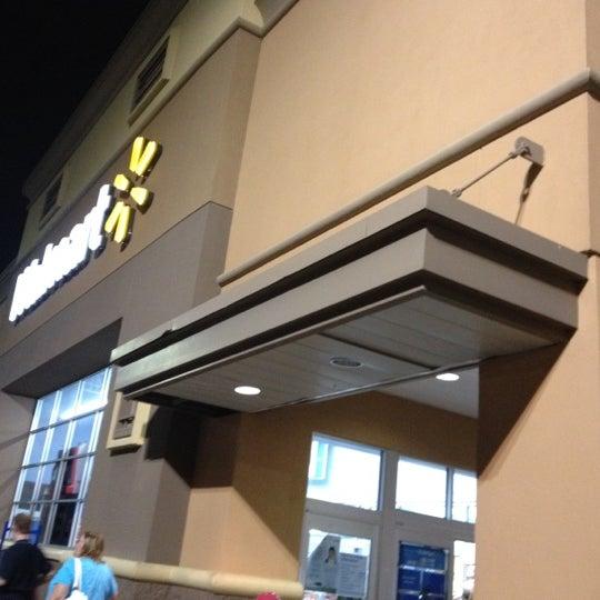 Das Foto wurde bei Walmart von Diana J. am 7/28/2012 aufgenommen