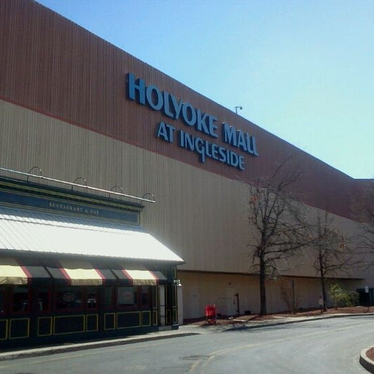 Photo taken at Holyoke Mall at Ingleside by Pachaneeporn K. on 3/23/2012