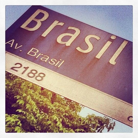Photo taken at Avenida Brasil by Rodrigo M. on 4/24/2012