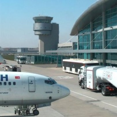 Photo taken at Istanbul Sabiha Gökçen International Airport (SAW) by 🔱 مراد زنغين 🔱 Murad D. on 5/23/2012