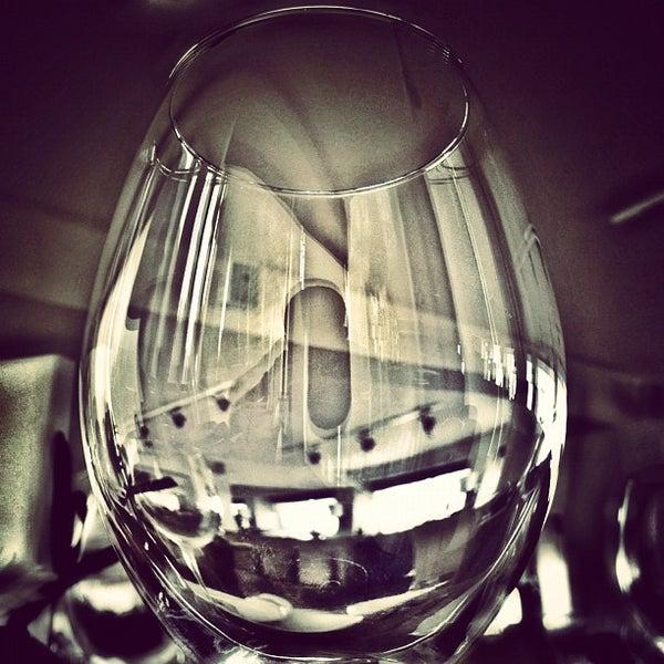 Снимок сделан в Shore House Lounge пользователем Ilkin H. 7/19/2012