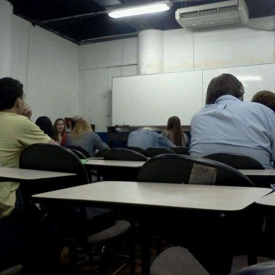 Foto tirada no(a) Academia do Concurso por Thiago M. em 6/26/2012