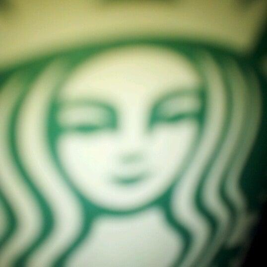 Photo taken at Starbucks by Ricardo A. on 6/24/2012