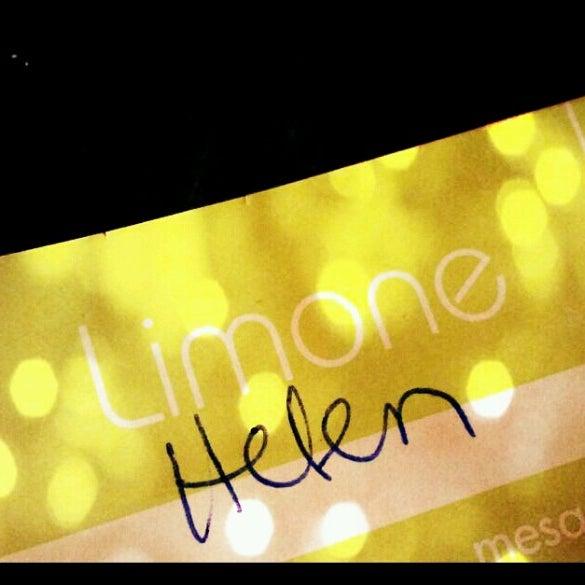Foto tirada no(a) Limone Restaurante e Café por Hellen M. em 6/27/2012