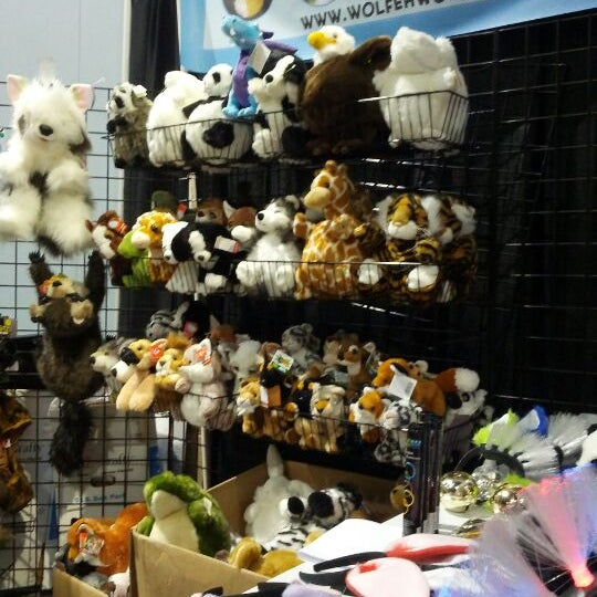 Hangin out at Wolfeh Works' booth.  Plushies for days, check it out