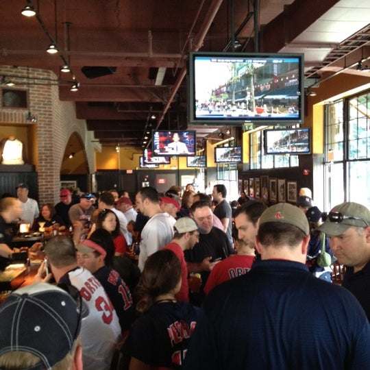 Photo taken at Cask 'n Flagon by Brian P. on 4/20/2012
