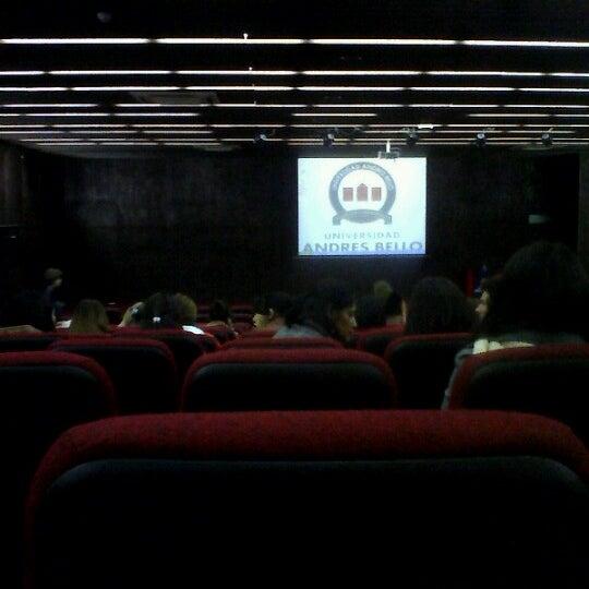 Foto tomada en Universidad Andrés Bello por Sebastian J. el 8/9/2012