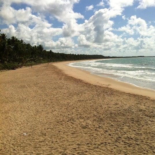 Foto tirada no(a) Praia Mirante da Sereia por Luciano S. em 4/2/2012