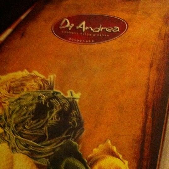 Foto tirada no(a) Di Andrea Gourmet Pizza & Pasta por Pilar V. em 4/27/2012