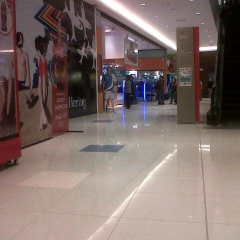 Foto tomada en Costa Urbana Shopping por Federico Ignacio M. el 7/12/2012