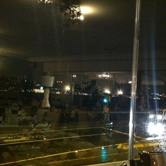 4/14/2012 tarihinde Şadi A.ziyaretçi tarafından Akıntı Burnu Restaurant'de çekilen fotoğraf