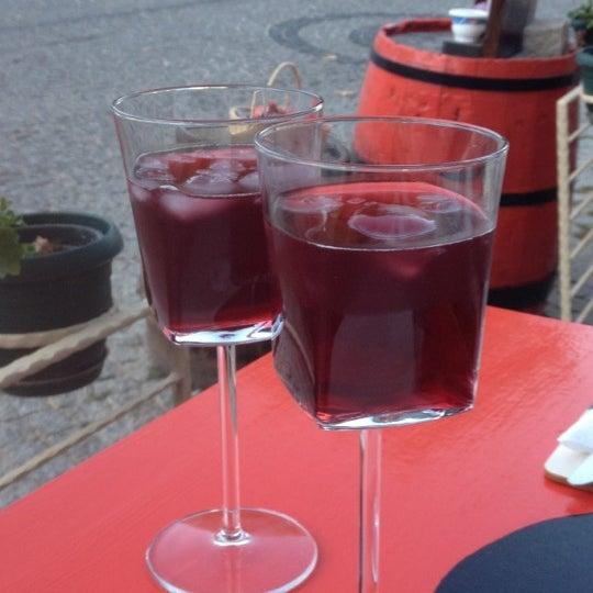 8/31/2012 tarihinde Merve Y.ziyaretçi tarafından Ada Cafe'de çekilen fotoğraf