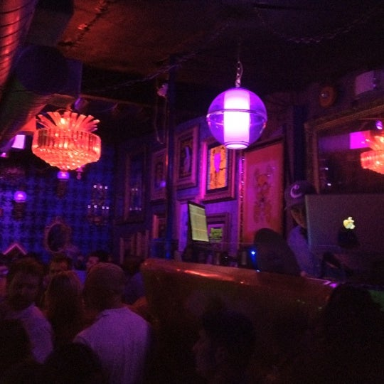 Photo taken at Little Miss Whiskey's Golden Dollar by DJ BIS on 5/26/2012