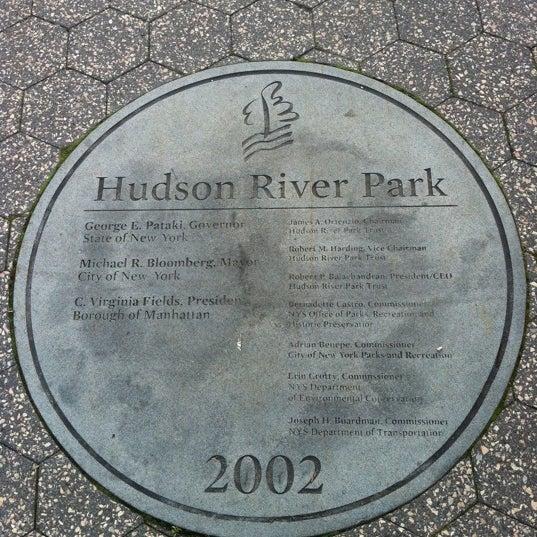Das Foto wurde bei Hudson River Park von Michael R. am 5/27/2012 aufgenommen