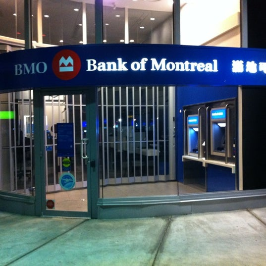 Fotos En Bmo Bank Of Montreal Banco En Golden Village