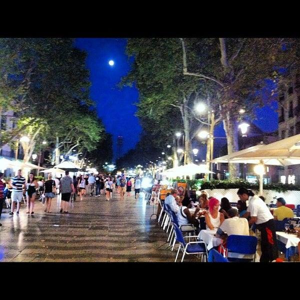 Foto tomada en Hotel Arc La Rambla por Alex S. el 7/30/2012
