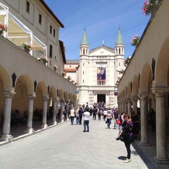 Basilica di santa rita da cascia viale santa rita 13 for Basilica di santa rita da cascia