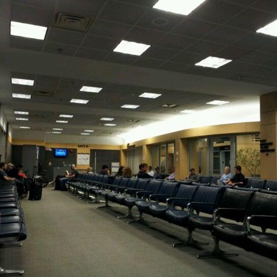 Foto tomada en Burlington International Airport (BTV) por Kyle W. el 5/9/2012