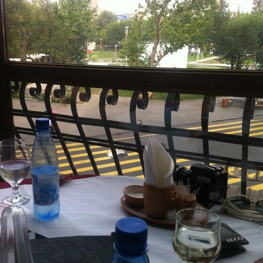 Снимок сделан в Old Erivan Restaurant Complex пользователем Kristina G. 7/31/2012