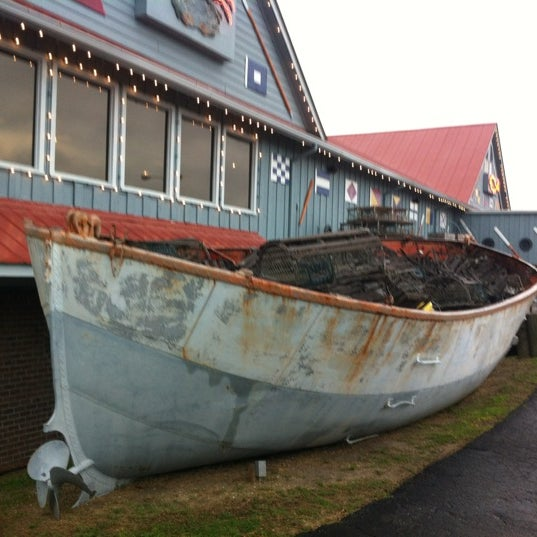 Photo taken at The Original Benjamin's Calabash Seafood by William M. on 5/22/2012